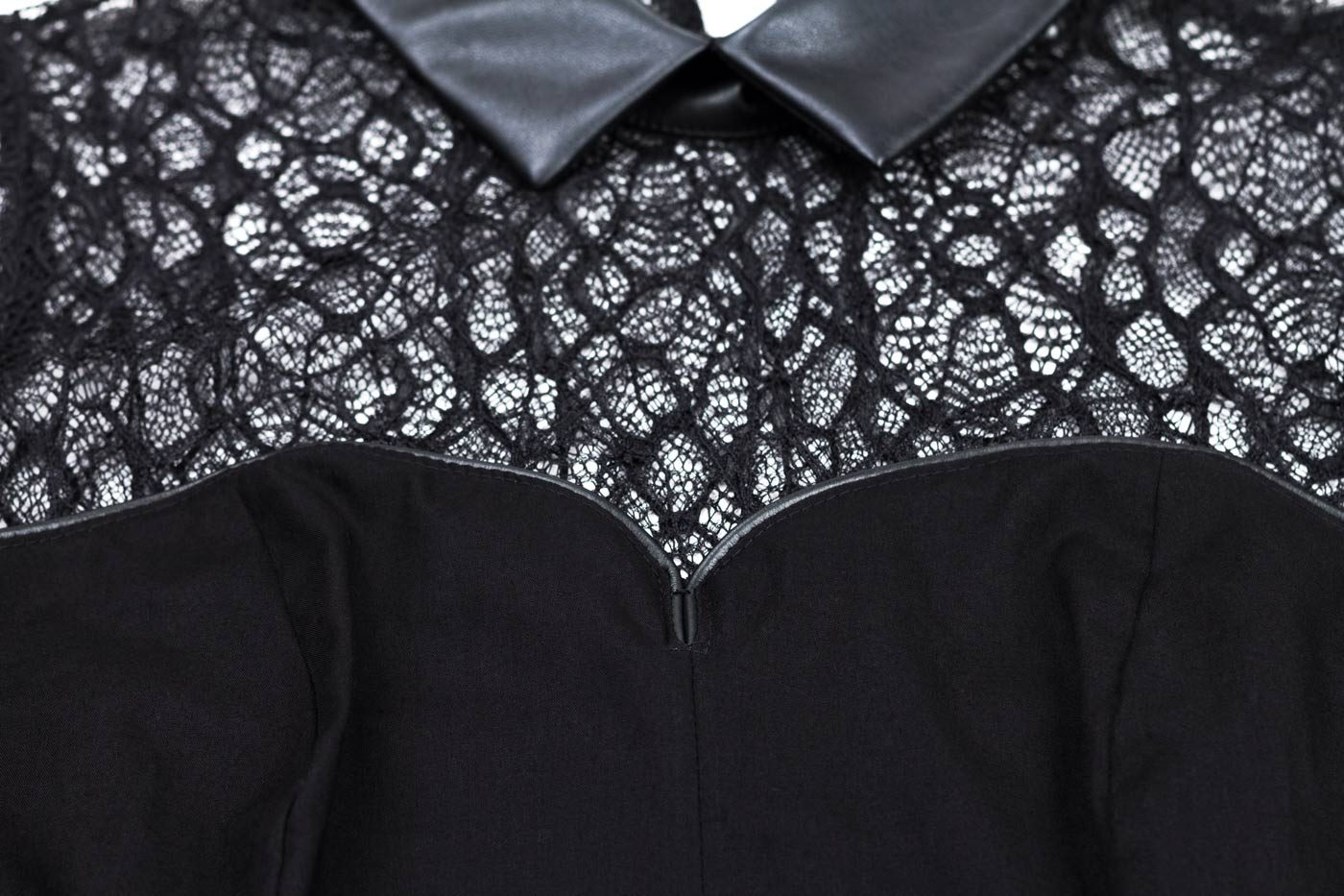 Schwarze ärmellose Bluse mit Spitze