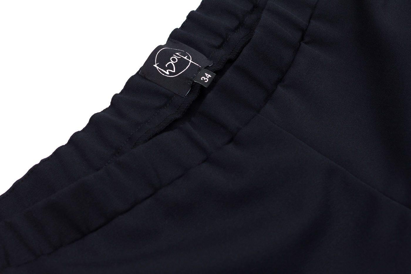 Shorts aus dunkelblauer Wolle